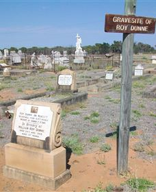 Blackall Cemetery - Accommodation Sydney