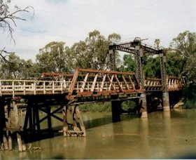 Swan Hill - Murray River Road Bridge - Accommodation Sydney