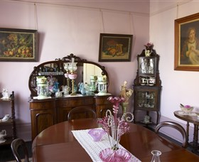 Jerilderie Historic Residence - Historic Home and Gardens - Accommodation Sydney