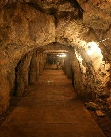 Wellington Caves and Phosphate Mine - Accommodation Sydney
