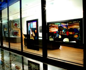 National Art Glass Collection - Accommodation Sydney