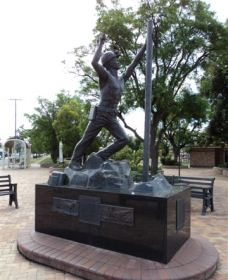 Miners Memorial Statue - Accommodation Sydney