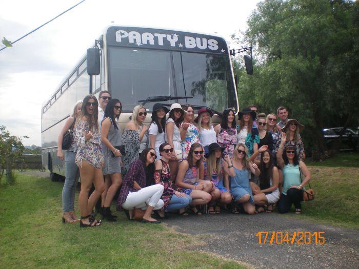 R  R Bus and Leisure Hire - Accommodation Sydney