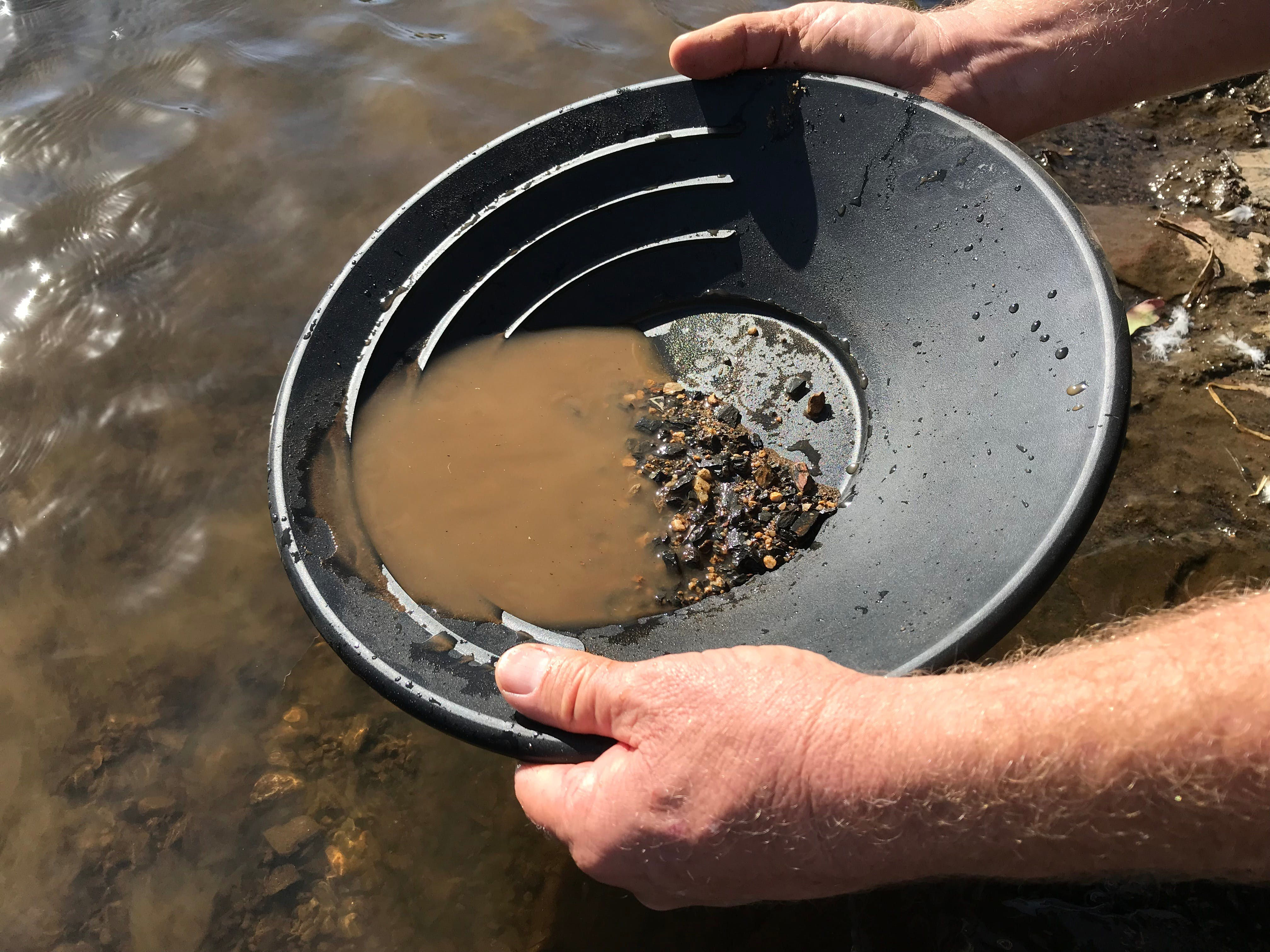 Tuena Panning for Gold - Accommodation Sydney