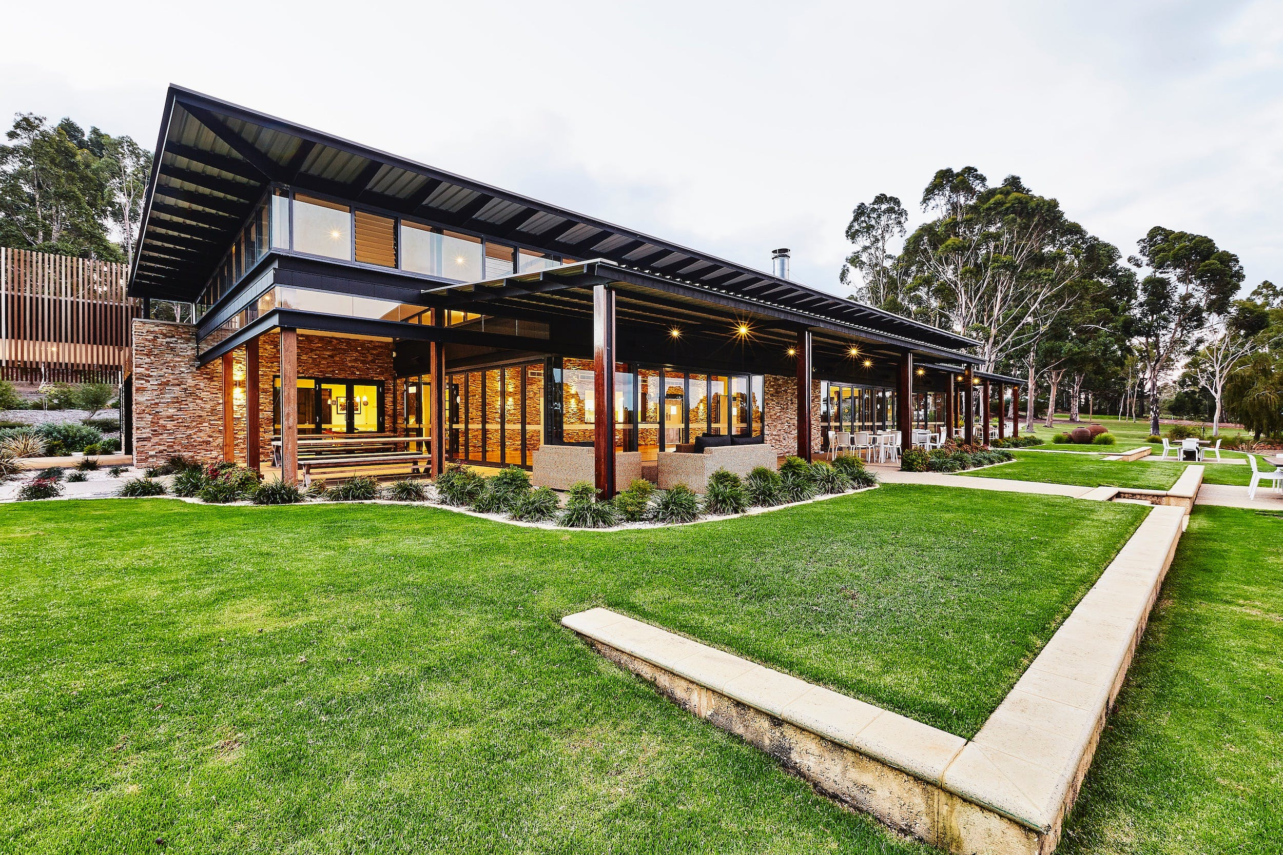 Lakeside Function Centre - Eight Willows Retreat - Accommodation Sydney
