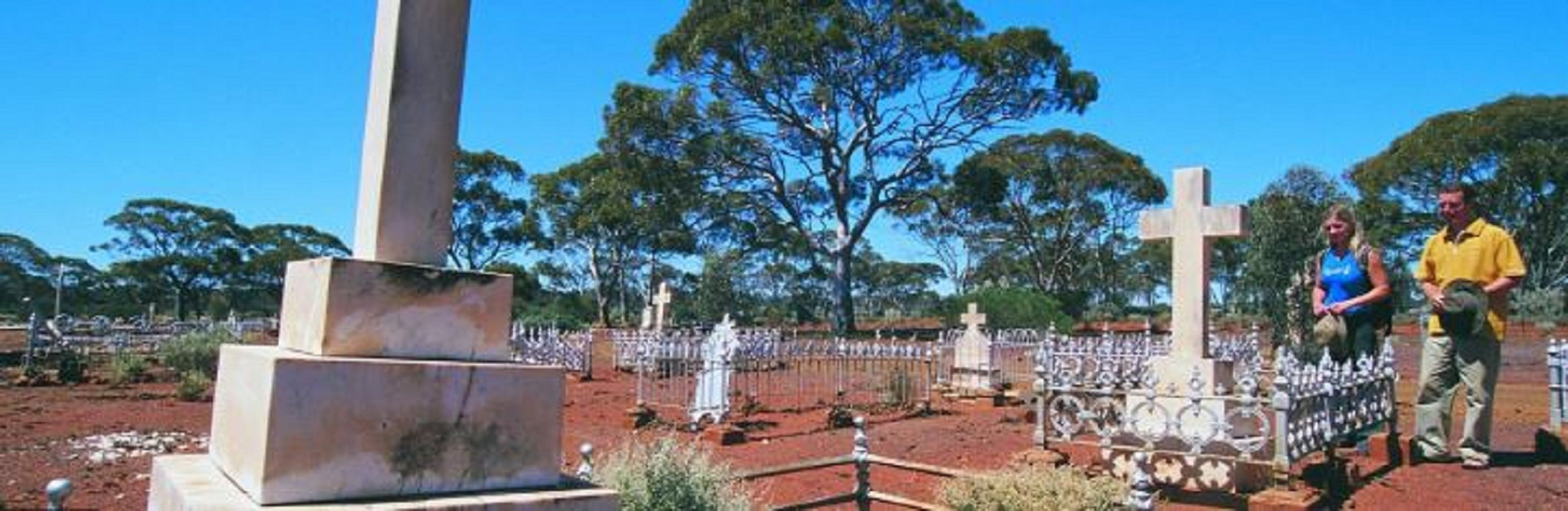 Old Pioneer Cemetery Coolgardie - Accommodation Sydney