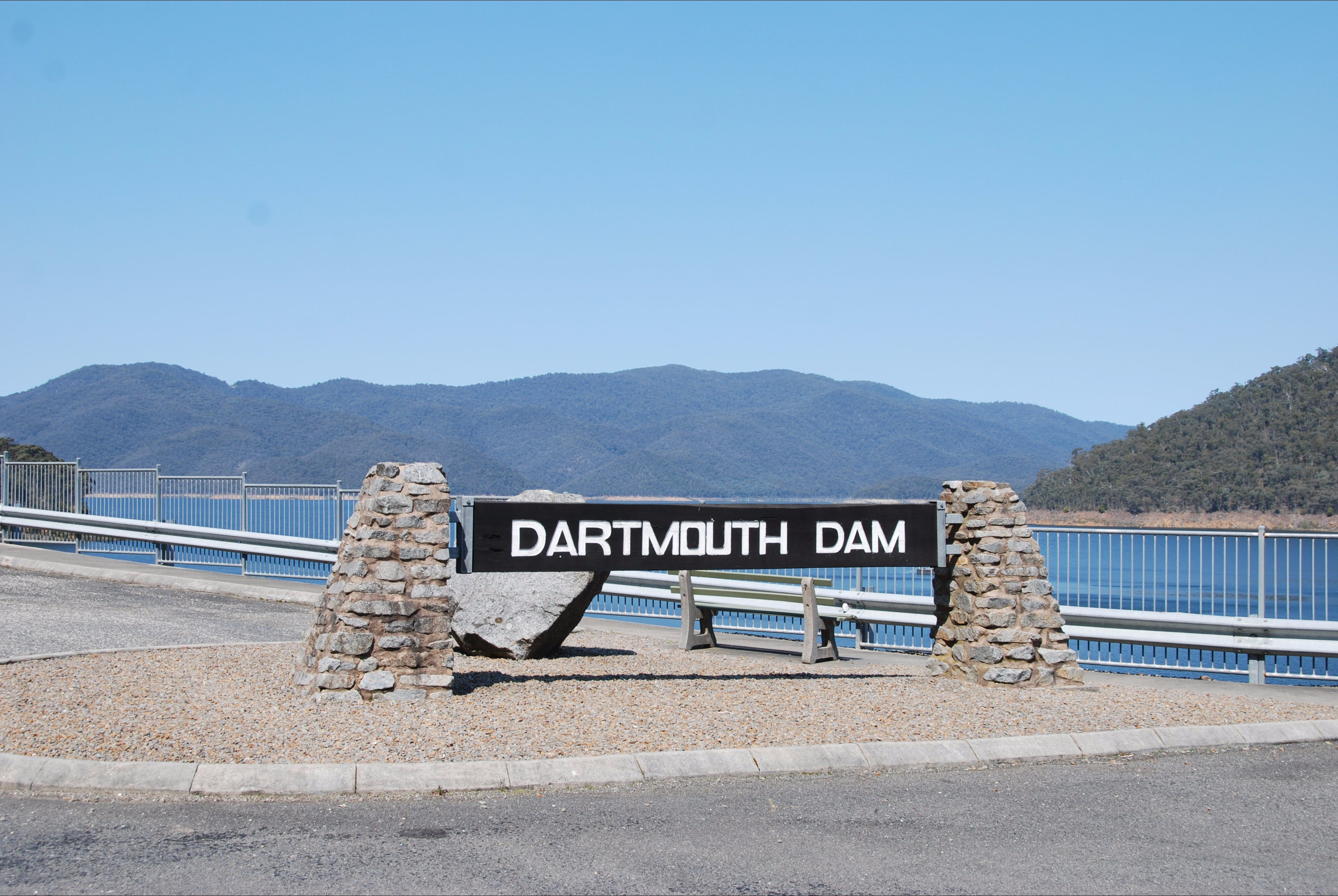 Dartmouth Dam Wall Picnic Area - Accommodation Sydney