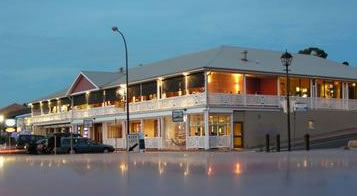 Seacliff Beach Hotel - Accommodation Sydney