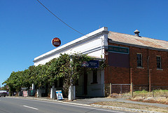 Red Hill Hotel - Accommodation Sydney
