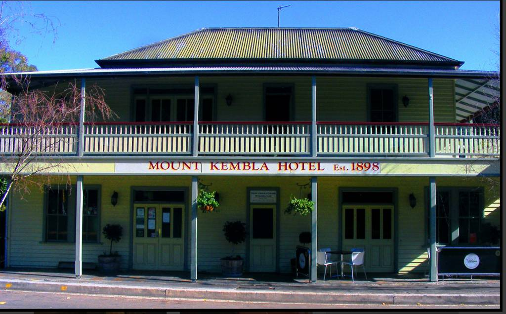 Mount Kembla Village Hotel - Accommodation Sydney
