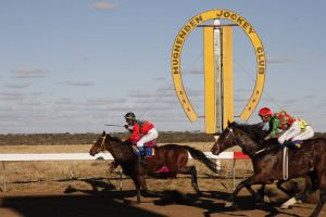 Hughenden  Cup Races - Accommodation Sydney