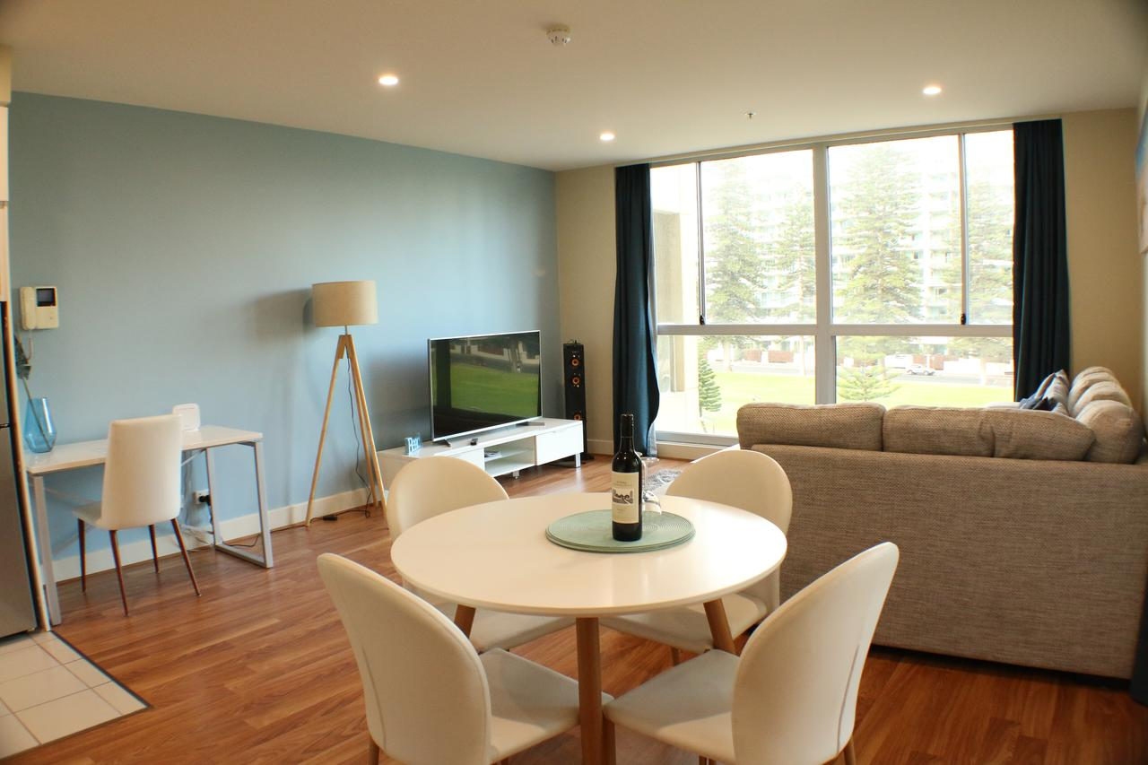 Beachside Luxury 2 Bedroom Getaway - Accommodation Sydney