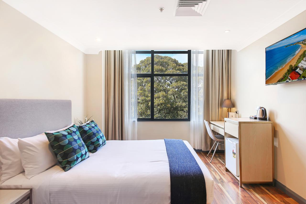 Ryals Hotel - Broadway - Accommodation Sydney