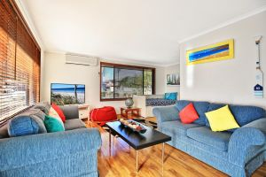 Sandy Toes Beach House Jervis Bay - 2min to Beach - Accommodation Sydney