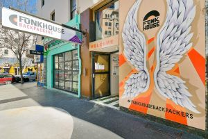 Funk House Backpackers - Accommodation Sydney