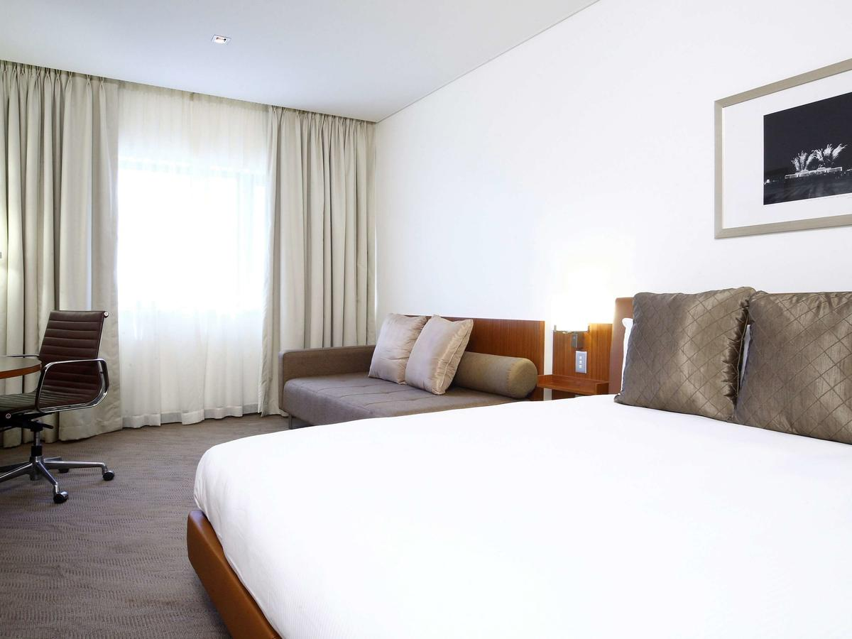 Novotel Canberra - Accommodation Sydney