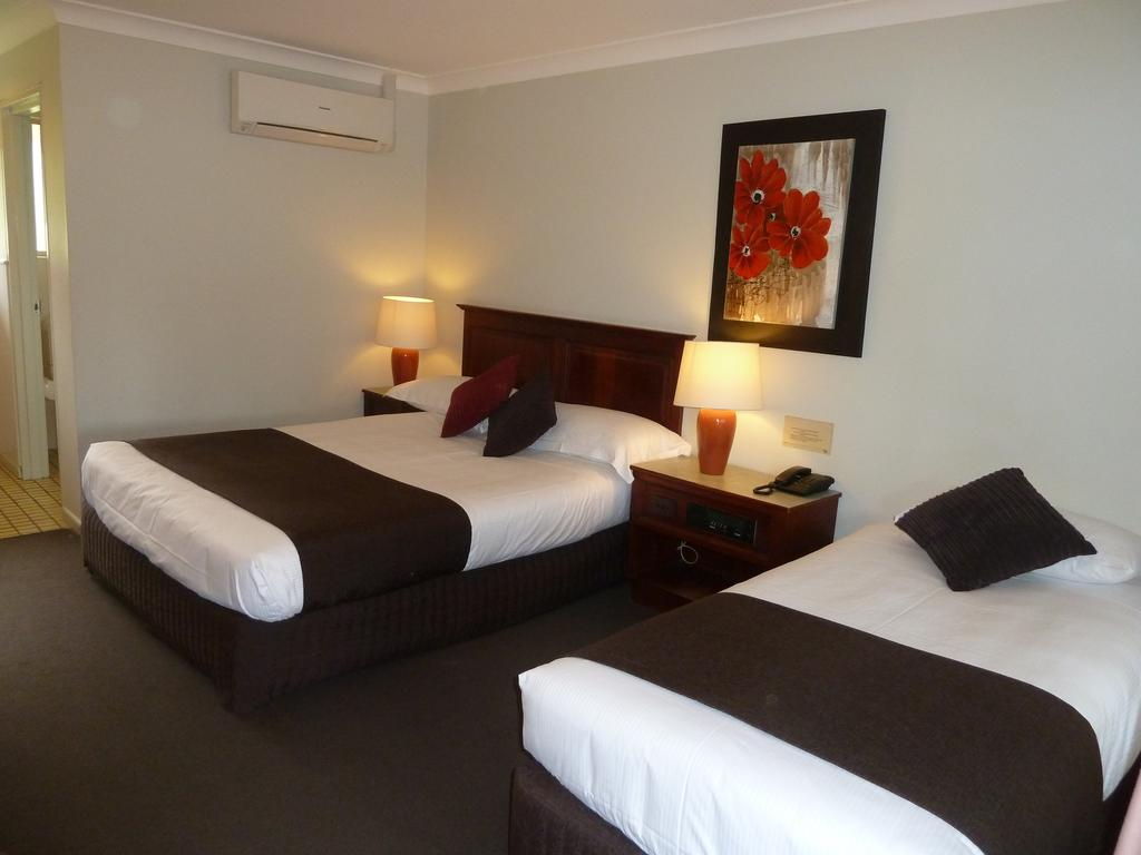 McNevins Warwick Motel - Accommodation Sydney