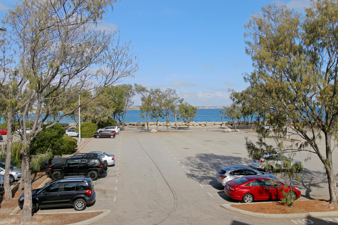 Hillarys Marina Apartment - Accommodation Sydney