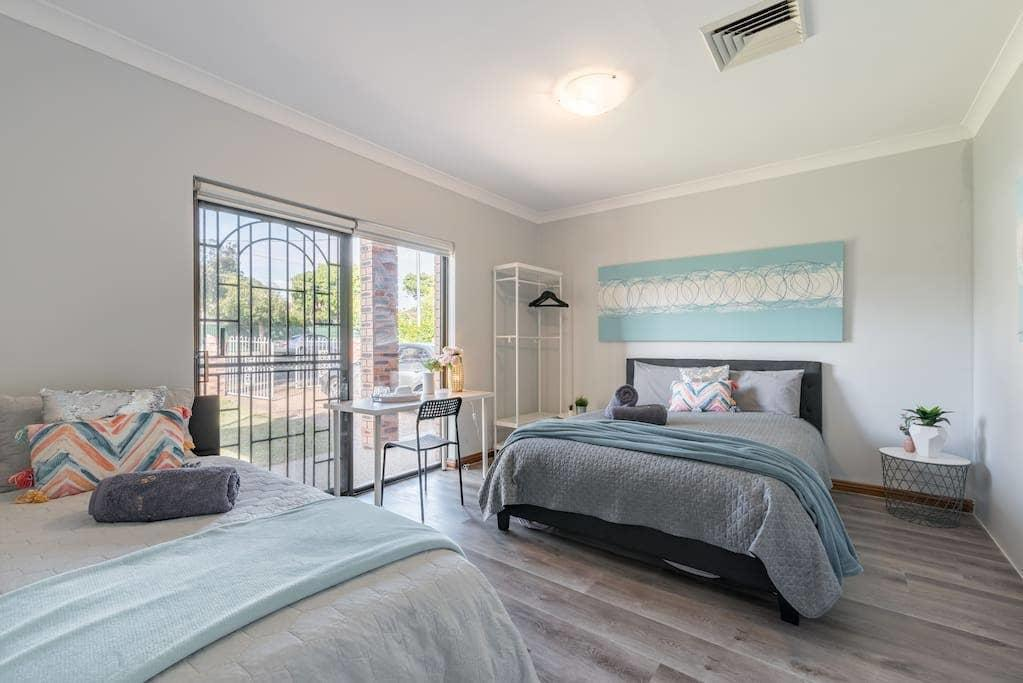 1 Private Double  1 King Single Room - 2beds In Berala 1 Minute from Train Station - SHAREHOUSE - Accommodation Sydney