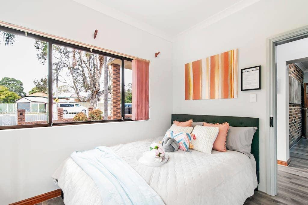 1 Private Double Room In Berala 1 minute away from Train Station - SHAREHOUSE - Accommodation Sydney