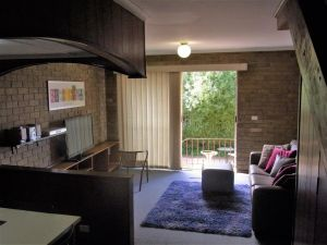 A Furnished Townhouse in Goulburn - Accommodation Sydney