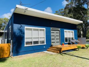 Abode Callala Beach Jervis Bay - 100m to Beach - Accommodation Sydney