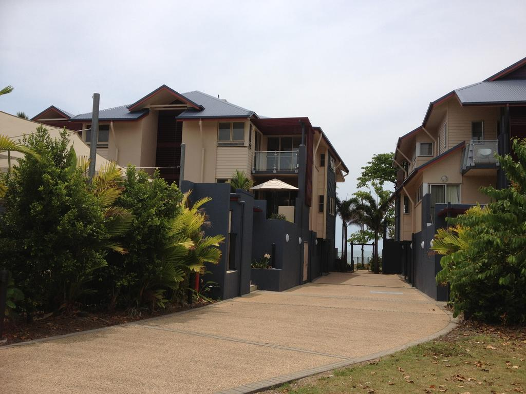 Beach House Apartment 1 - Accommodation Sydney